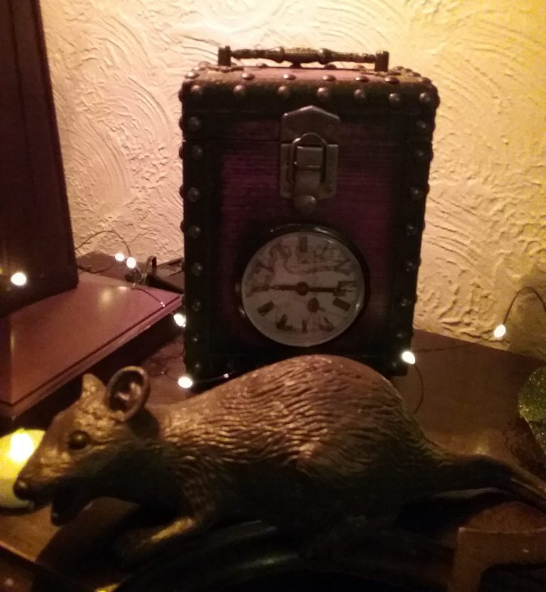 Spooky clock with rat, 2018. Did this sensationalized clock get your attention? ;)