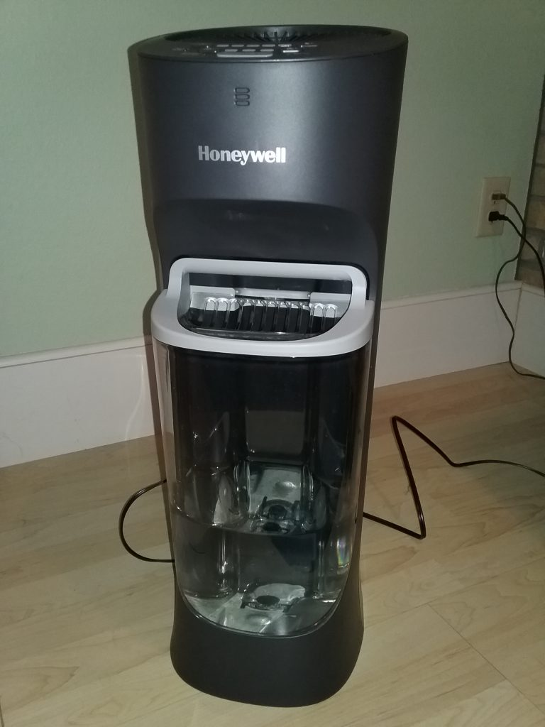 Honeywell Top Fill Cool Moisture Humidifier, Model HEV615, October 2020.